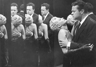 Orson Welles y Rita Hayworth en la película La dama de Shanghai (1947)