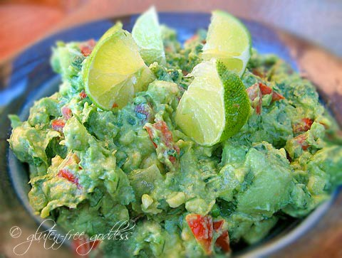 Gluten-free vegan guac with tomatillos and lime #guac #vegan #glutenfree