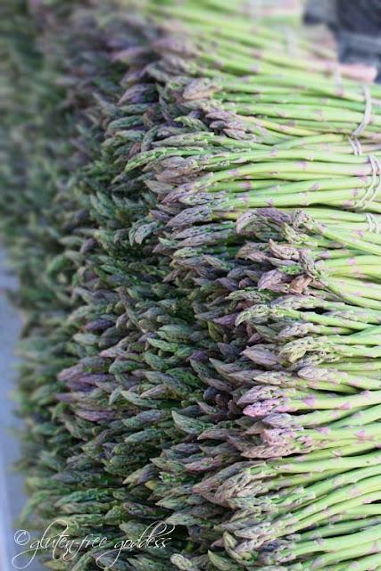 Fresh asparagus at the farmers market