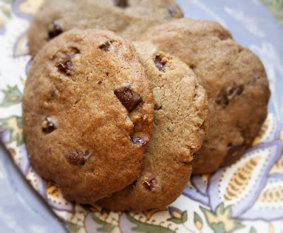 Gluten free chocolate chip cookie recipe with dark chocolate chunks