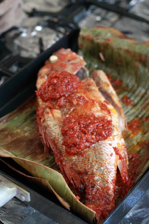 Malaysian Foods: Grilled Fish With Banana Leaf Recipe
