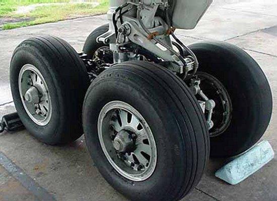 b757-main-wheel-01.jpg