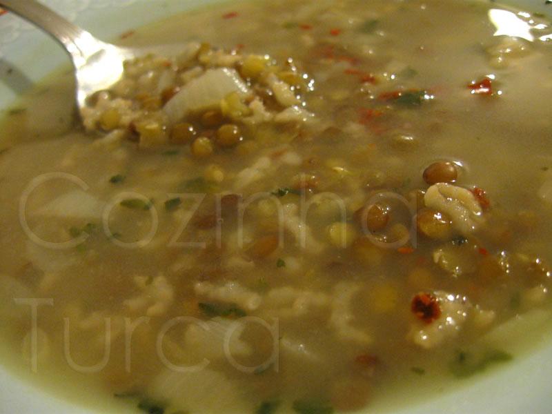 Sopa de Lentilhas Verdes (Yeşil Mercimek Çorbası)