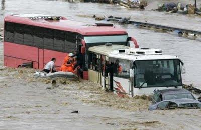Dezenas de mortos em inundações na Turquia