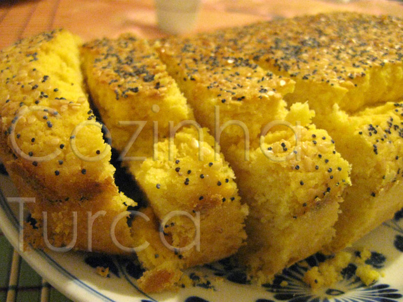 Pão de Milho e Courgette (Mısır Unlu Ekmeği)