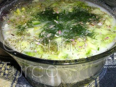 Jajik com Alface (Marullu Cacık)