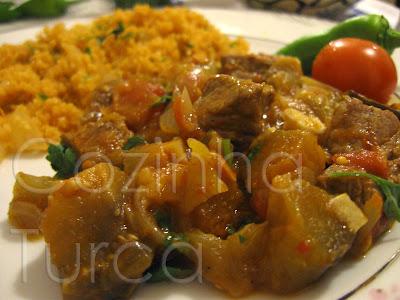Estufado de Vitela com Beringela (Etli Patlıcan Yemeği)