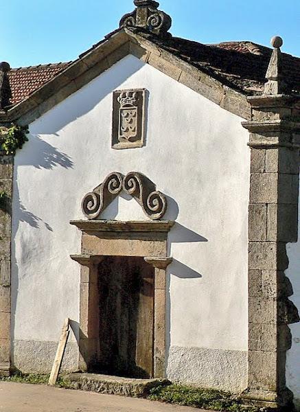Capela do solar da família Pinto, em Tuizelo