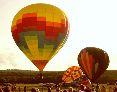 graph pattern and mixed colors hot air balloon