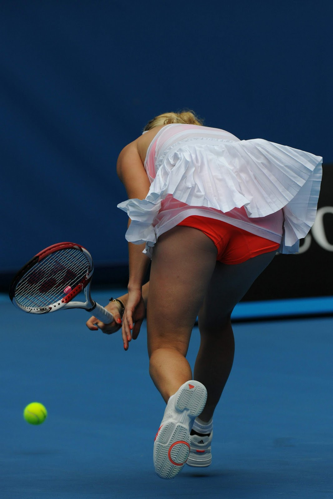 Blowjob at the tenis court - 1 part 7