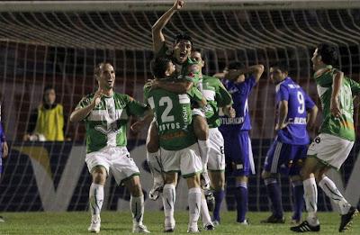 Oriente empata en Chile, Rea festeja su gol