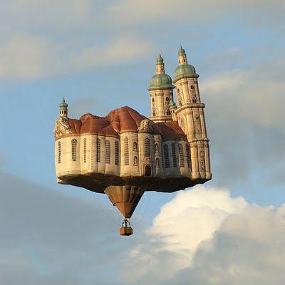 [تصویر:  600px-BallonKathedrale01_edit.jpg]
