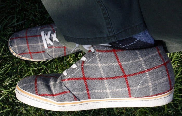 Simple tweed shoes