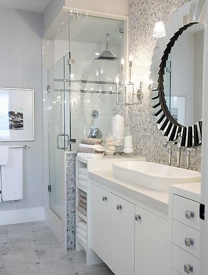 DMITRIY HOWARD Sarah Richardson Bathroom