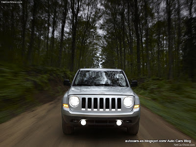 White Jeep Patriot 2011. Jeep Patriot 2011 White