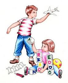 Crianças ocupadas brincando
