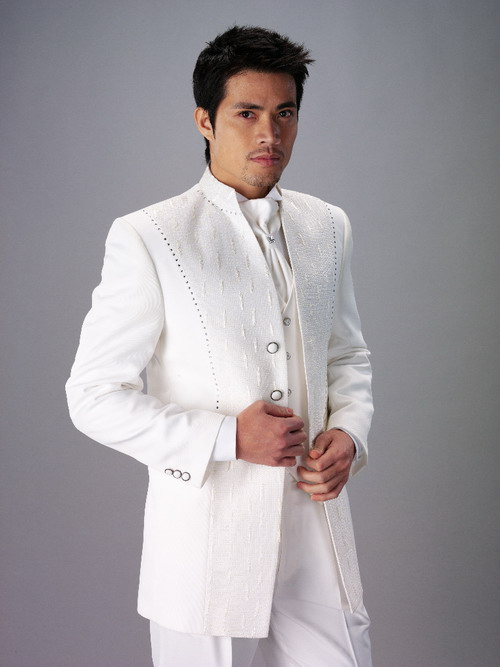 Wedding Men Suit Groom Dresses UK The grooms white suit ... Elegance and bolder