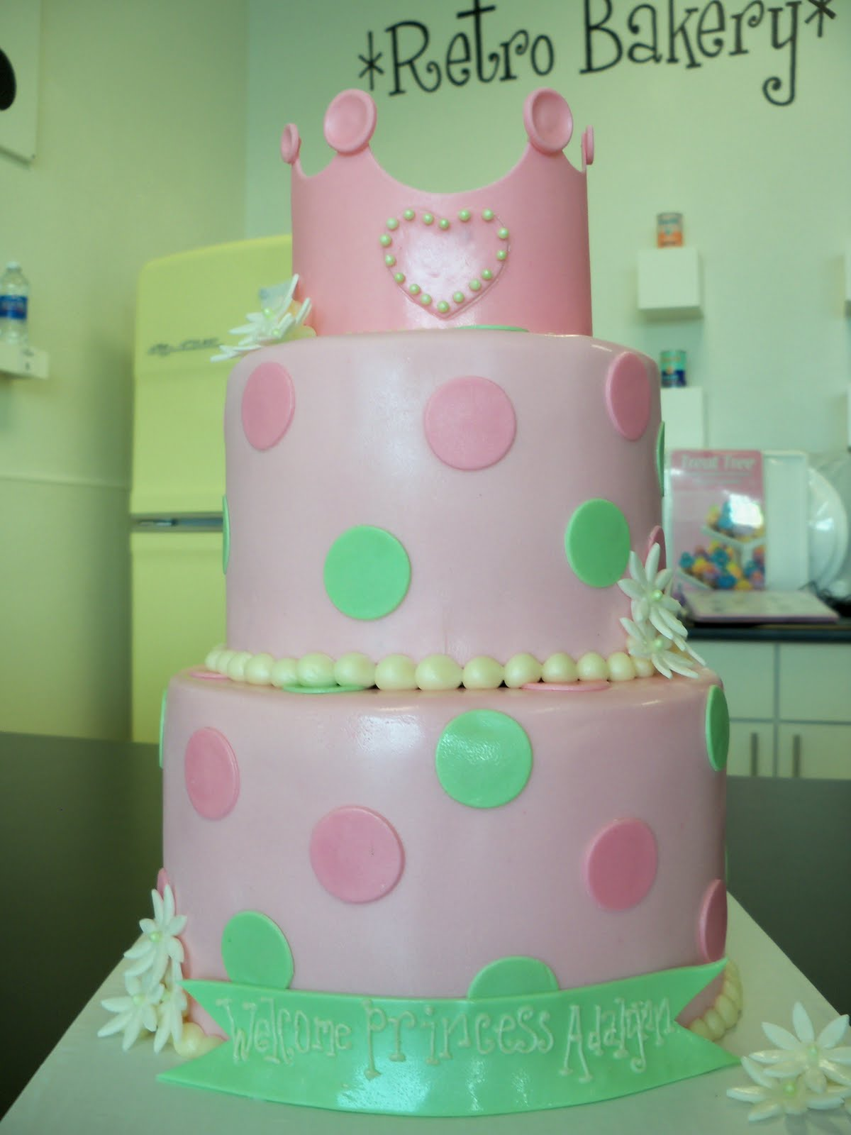 Sam's Club Baby Shower Cakes http://buildingabakery.blogspot.com/2011 ...