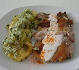 Chuletas con ali oli de pimentón y patatas al ajo cabañil SANY2051