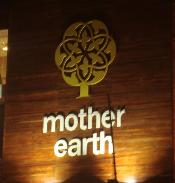 Ethnic indian decor mother earth store bangalore first for Good earth home decor india