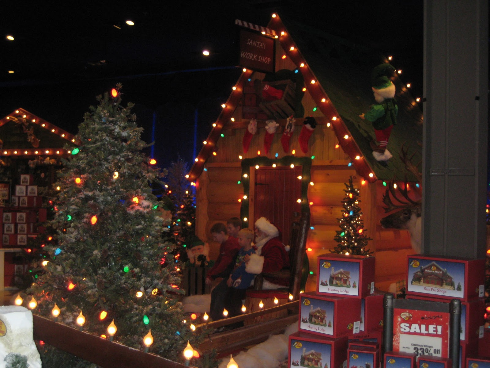 Winter Wonderland Christmas at Bass Pro Shops By: Stephanie ...