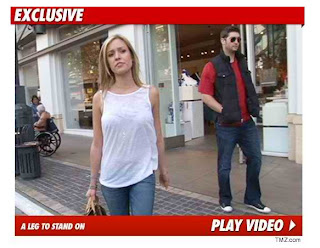 Jay Cutler Walks Around Mall In LA, Upsets Chicago Bears Fans