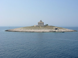 Phare de Pokonji Dol (Croatie)