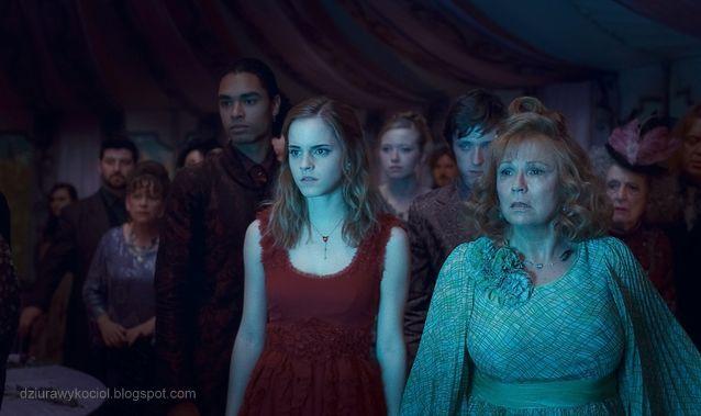 Dziurawy Kocioł Nowe Zdjęcia Z Filmu Harry Potter I Insygnia śmierci