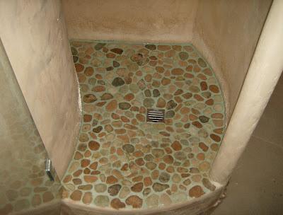 Muratura muratore capomastro specializzato nel recupero risanamento restauro conservativo - Piatto doccia sassi ...