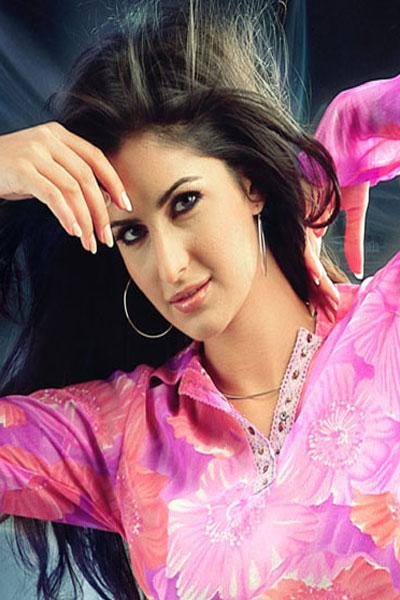 http://hollywoodbollywoodactress-fashion.blogspot.com/2012/06/katrina-kaif.html