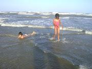 Banho de mar   com independên-cia
