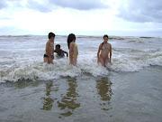 Banho de mar sozinhos
