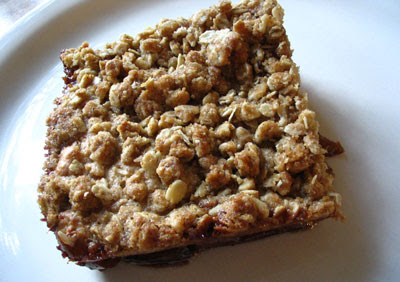 Apple-Oatmeal Breakfast Streusel Cake