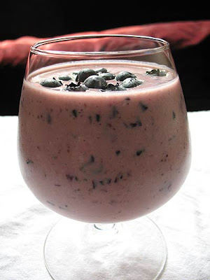 Pomegranate & Blueberry Oat Smoothie