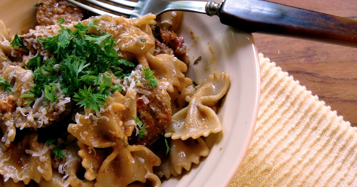 ... More Wooden Spoons: Farfalle with Sun-Dried Tomato Pesto and Fennel