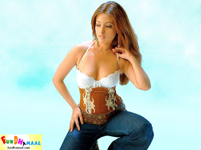 Hot Image Of Riya Sen