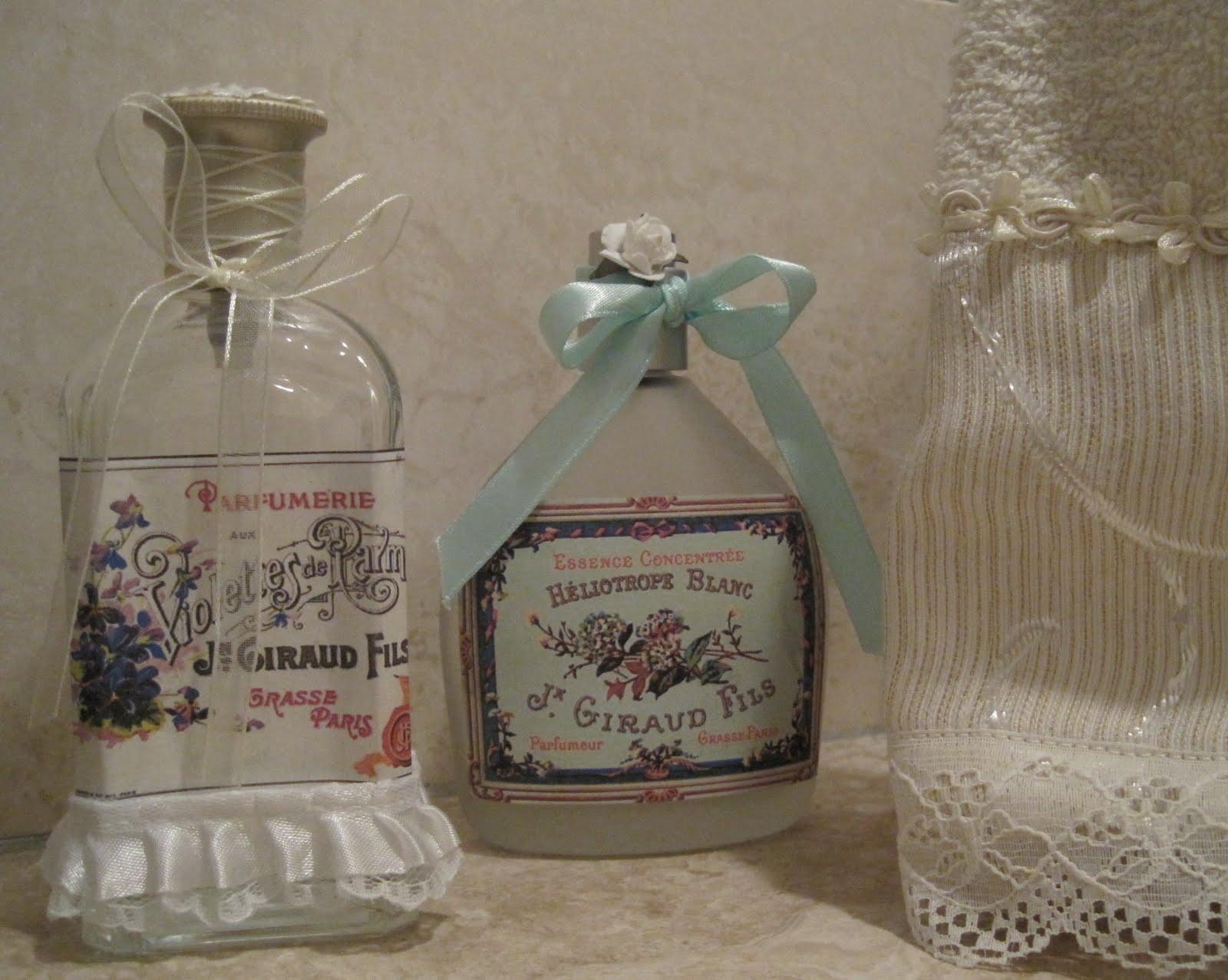 Arreglar Baño Antiguo:Reciclando frascos de perfume vacíos para y transformándolas en unas