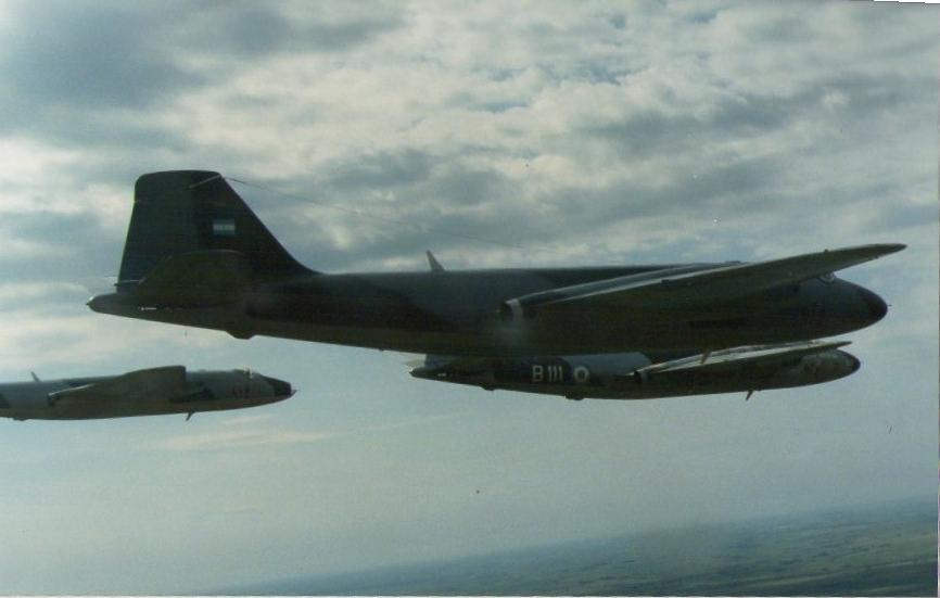 Bombarderos argentinos en malvinas 1982