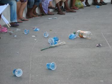 """""""O homem e o lixo em evento cultural na ilha"""""""""""