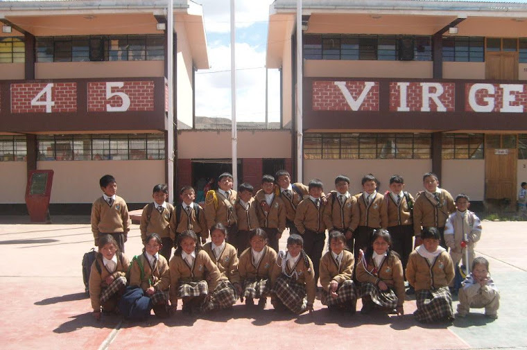 ALUMNOS CON EL UNIFORME 2009