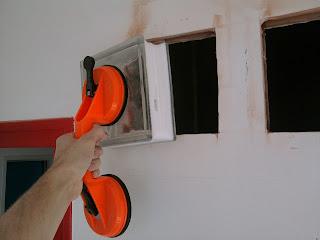 Bricolage ins rer briques de verre dans un mur - Mortier pour brique de verre ...