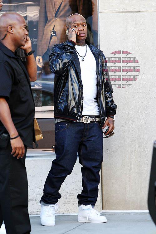 Event snaps birdman leaving the gucci store