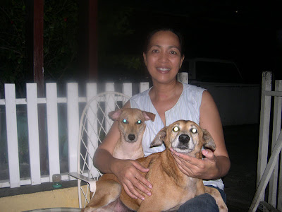 Gina and Hanny with mommy Joy - MeFindHome.org