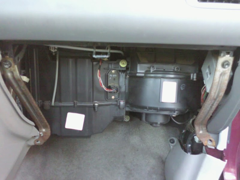 Trackback besides 2001 Infiniti Qx4 Fuse Box Diagram as well 361736 Ac Heater Blower Motor Failure further 179171 My Electric Fan Swap 2 further 2001 Toyota Tundra Starter Location. on toyota 4runner blower motor resistor location