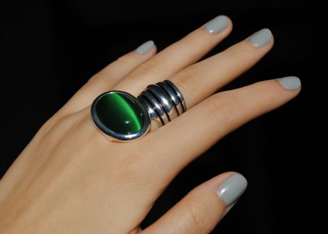 gray nails, grey nails, Artdeco Ceramic Nail Laquer, 110 froggy grey, 110, froggy grey, nail polish