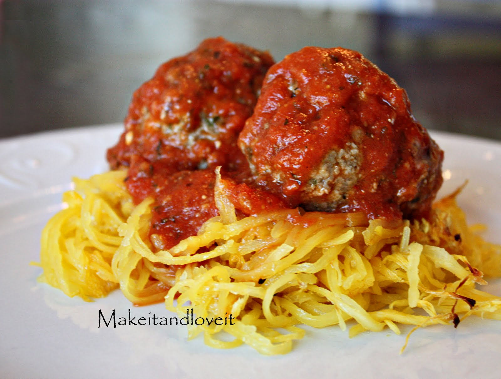 Spaghetti squash with meatballs make it and love it for What to make with spaghetti squash