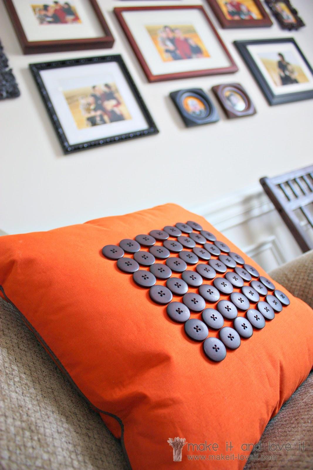 Decorate My Home Part 20 \u2013 Button/Piping Pillow Cover & Decorate My Home Part 20 - Button/Piping Pillow Cover | Make It ... pillowsntoast.com