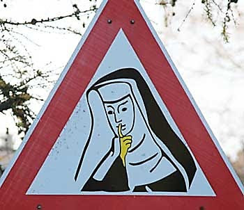 WTF Foreign Signs Seen On www.coolpicturegallery.net