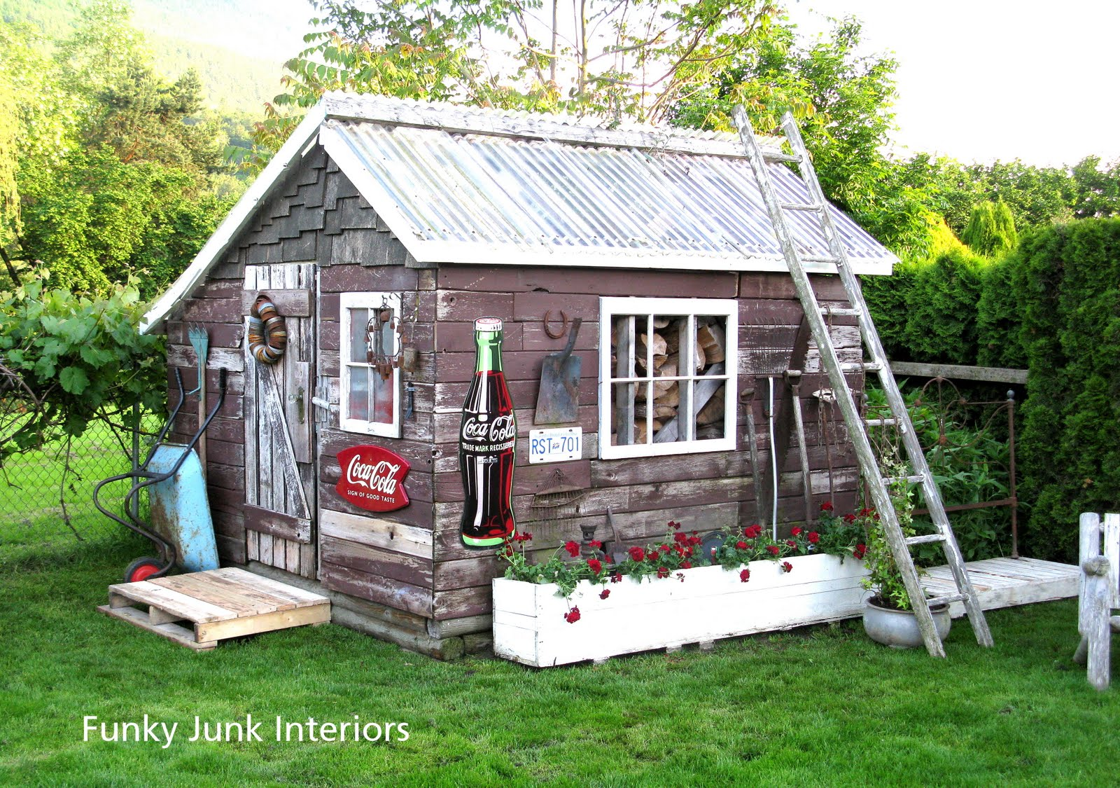 Decorating the great outdoors with junk for 39 gitter done for Outdoor wood shed