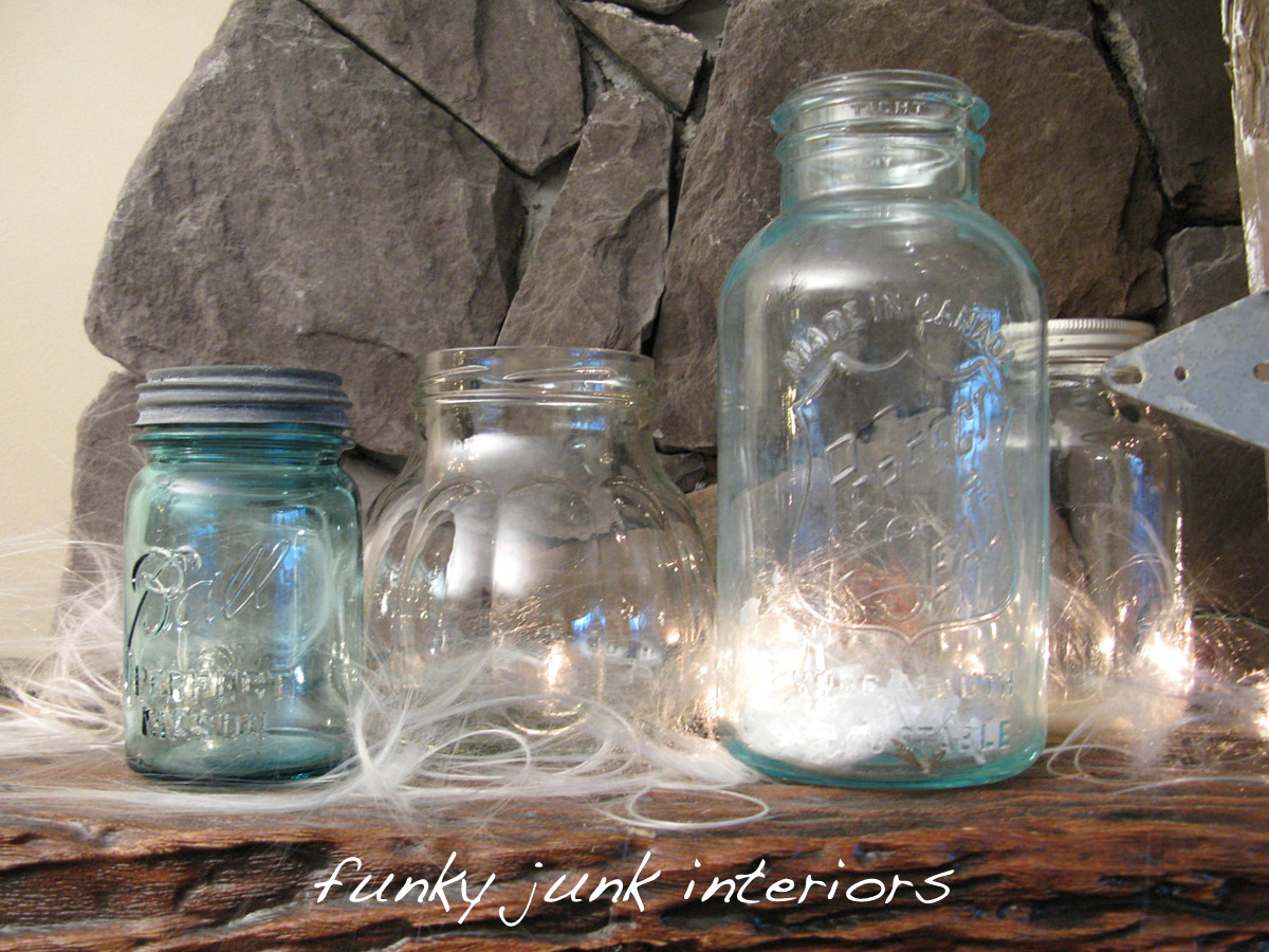 When a non crafting junker crafts for christmas with for Crafts to make with glass jars